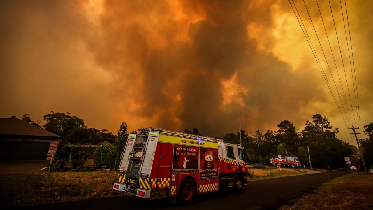 Sydney to hit 40 degrees today as bushfire danger returns in NSW
