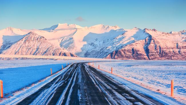 From this road you'll find most of Iceland's popular sites, like Reynisfjara black sand beach, Vestrahorn mountain, the Grjotagja cave hot spring (the love pad of Jon and Ygritte in Game of Thrones) and Reykjavik.
