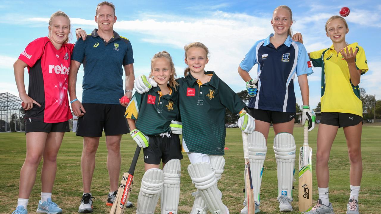 Crick AUS CEO and 5 Daughters