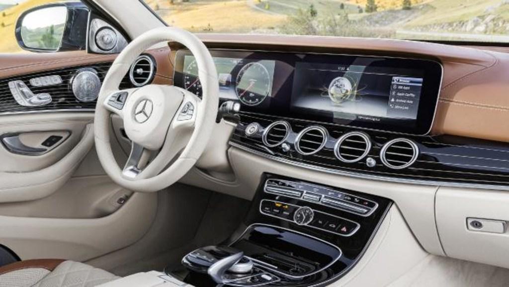 Mercedes-Benz E-Class Steering Pilot