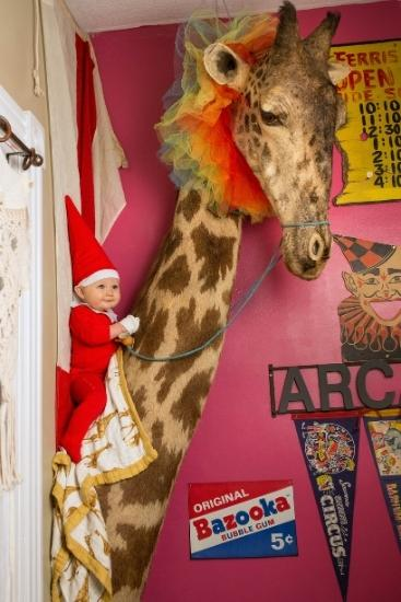 Elf on the Shelf: Mum creates adorable photo shoot with her baby