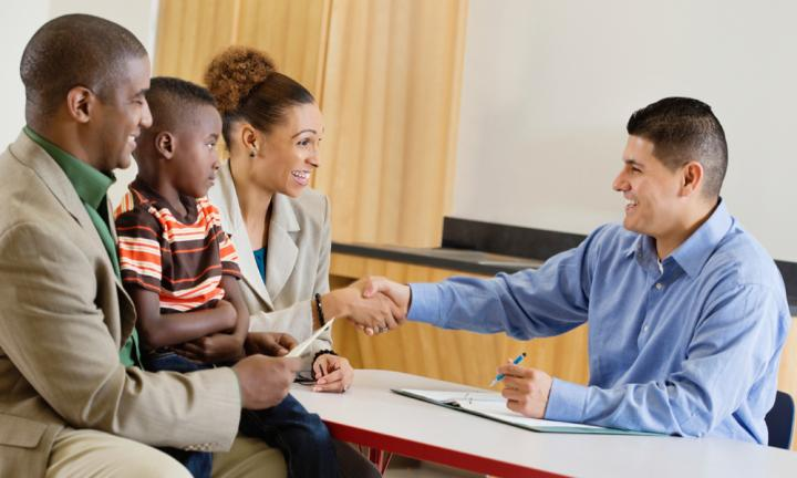<b>DEVELOP A STRONG RELATIONSHIP WITH YOUR CHILD'S TEACHER</b><p>If it's at all possible for you to volunteer in the classroom, then do it. This will help you develop a strong relationship with the teacher, but also keeps you in touch with what's happening in the classroom. Knowing in advance that the class will be doing an activity involving food gives you a chance to supply a safe substitute for your child. Looking after a child with allergies is a shared responsibility, so developing mutual trust is essential.</p>