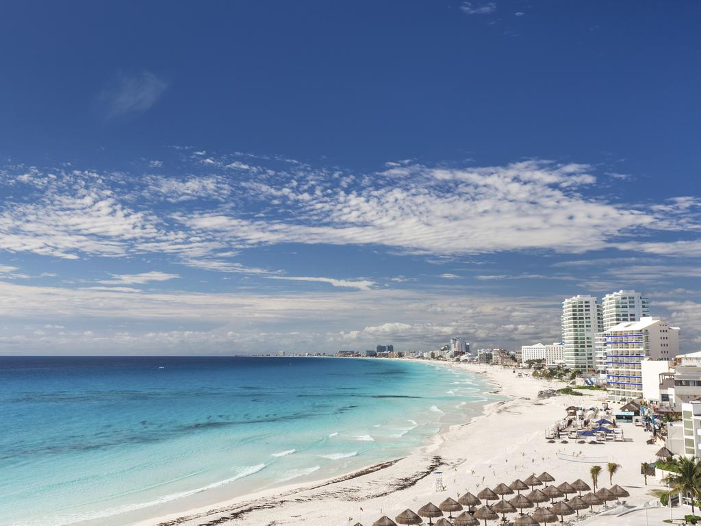 Maxine was holidaying in dreamy Cancun, Mexico.