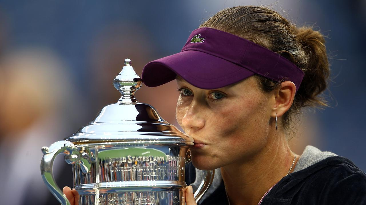 Sam Stosur with her US Open trophy. Photo by Clive Brunskill/Getty Images
