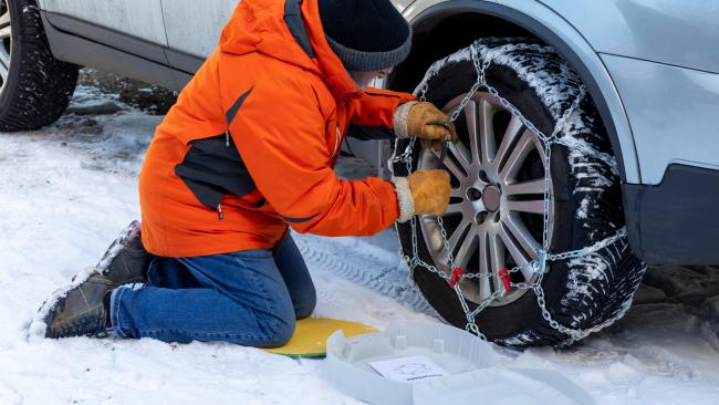 3/7If driving, you need snow chains Unless you have a four-wheel drive that is – and even then they can help. For two-wheel drive vehicles you'll need them from Kosciuszko Road from the park boundary at Thredbo River, the Alpine Way between Thredbo and Tom Groggin and the Island Bend/Guthega Road. The folks at BP Ski Hire in Jindabyne can sort you out. For petrol you'll have to go to the other BP.