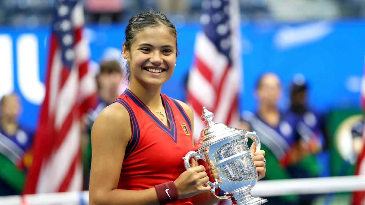 US Open winner Emma Raducanu has decided to replace coach Andrew Richardson.