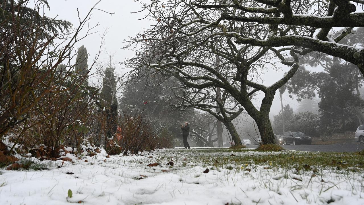 Just an hour from Sydney, snow fell in Katoomba in the Blue Mountains this week. Picture: Speed Khan/AFP