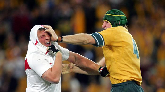 Steve Thompson and Justin Harrison havse an exchange. Wallabies vs England at Suncorp Stadium. Rugby Union. pic Darren England.