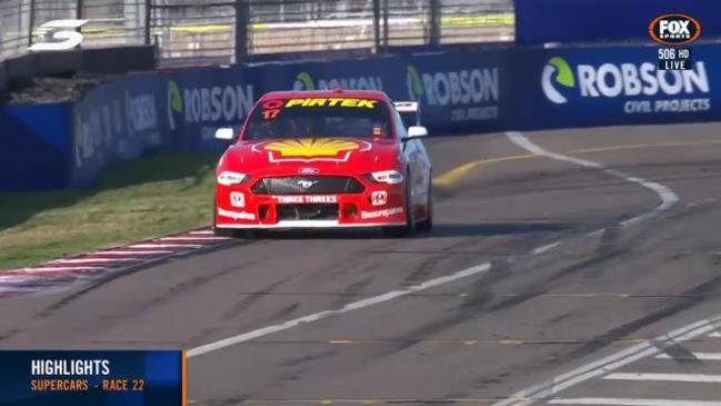 Scott McLaughlin dominates in Townsville