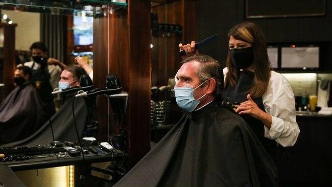 Premier Dominic Perrottet get his hair cut at Barberhood. Picture:  NCA NewsWire / Gaye Gerard