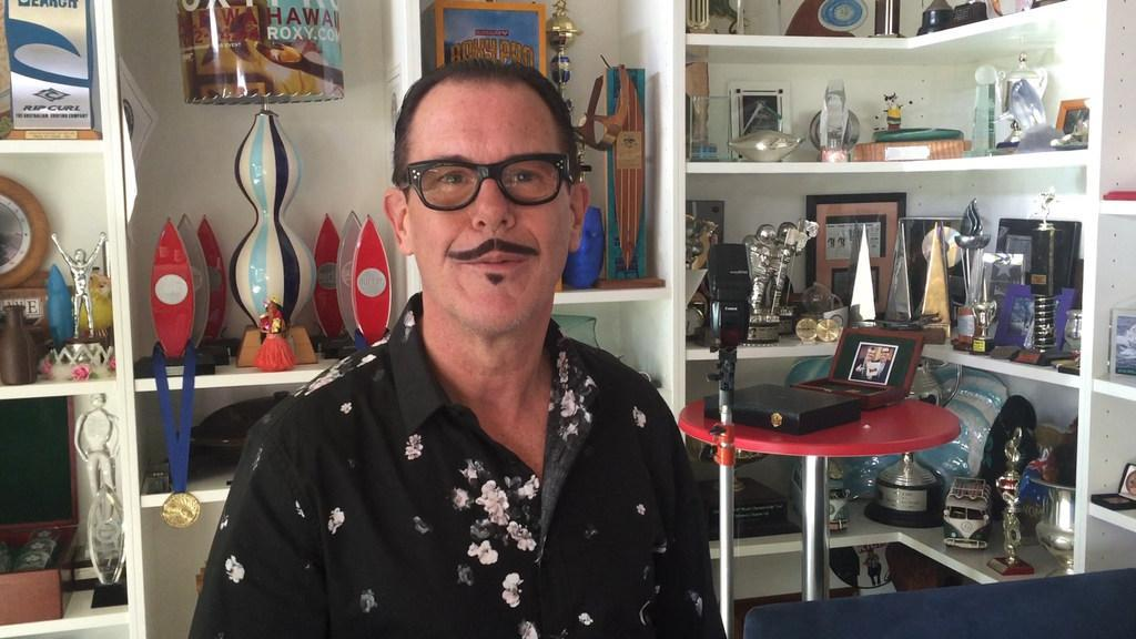 INXS star Kirk Pengilly shows us around his trophy room and bar
