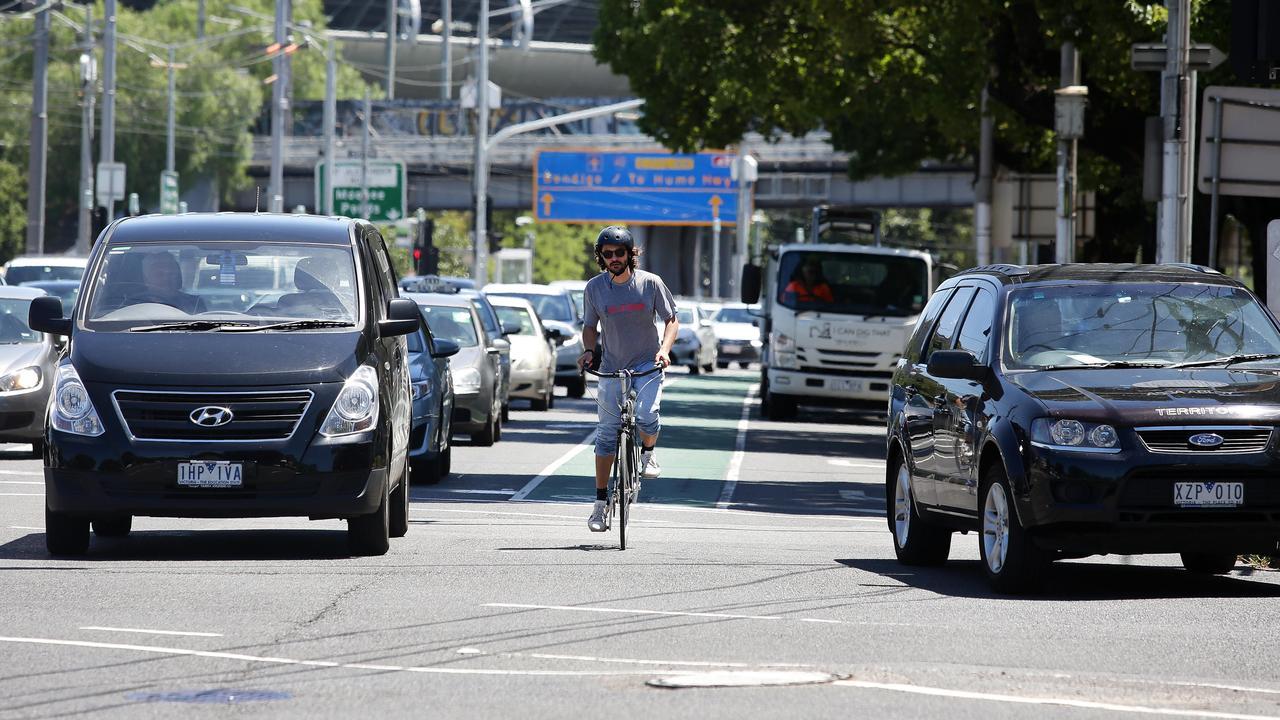 Dangerous cycling lane Flemington Rd