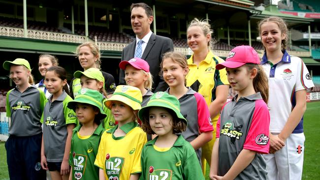 James Sutherland with Alex Blackwell and Meg Lanning. Picture: Gregg Porteous