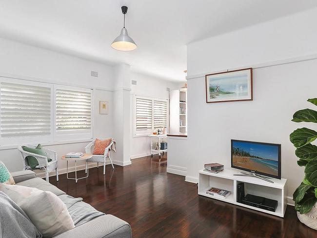Interiors at 1/41 Moira Cres, Coogee.