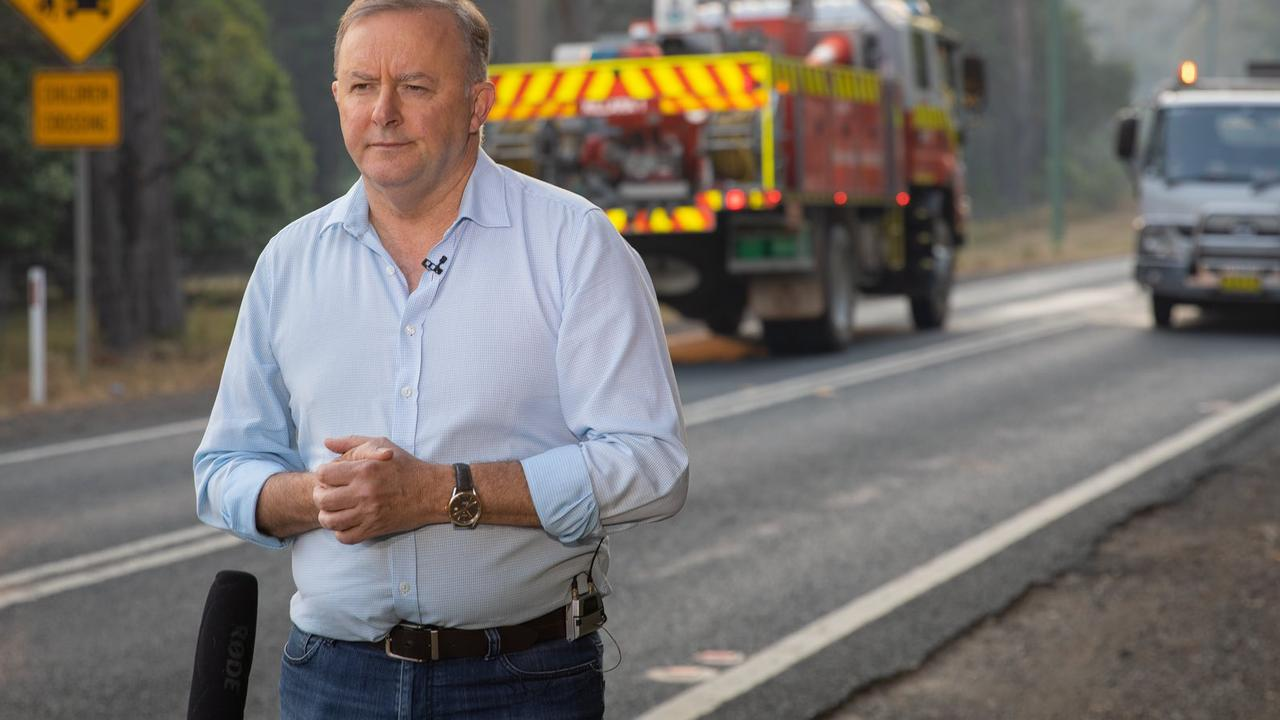 Anthony Albanese served breakfast to firefighters this morning. Picture: Twitter