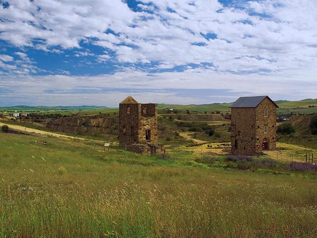 19. DISCOVER THE RUINS Time travel back to the 1840s when Burra was a wealthy mining town. Visit dugouts, cellars and the Redruth Gaol, where the film Breaker Morant was shot. Head north for 3km and see the ruin made famous on the cover of Midnight Oil's Diesel and Dust.