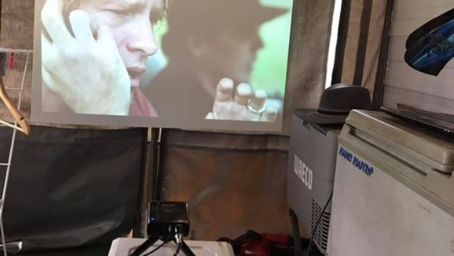 Cinema and camping? Yes please Miss the big screen of the movies while travelling? One keen cinophile recommended using a mini-projector and combining with a corflute screen. Rustle up some popcorn and you'll soon be watching movies under the stars. (Originally shared on Roadies Road trip). Picture: Tips & Tricks of the Caravan - Camping World / Kirsten DC