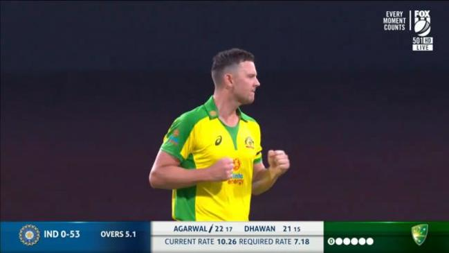 Aussies draw first blood against India