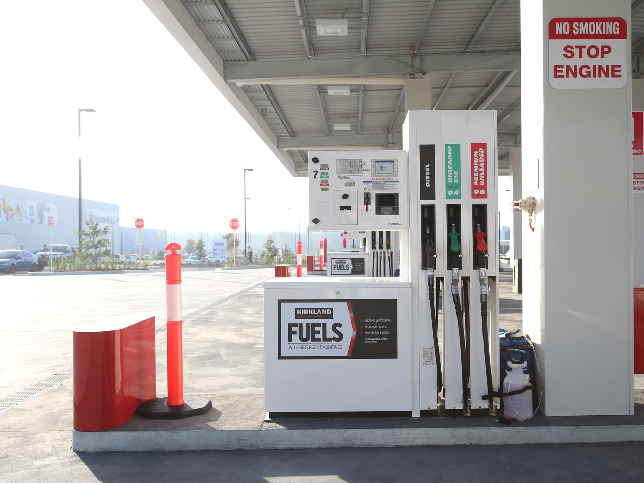 Crowds expected for opening of Costco petrol station