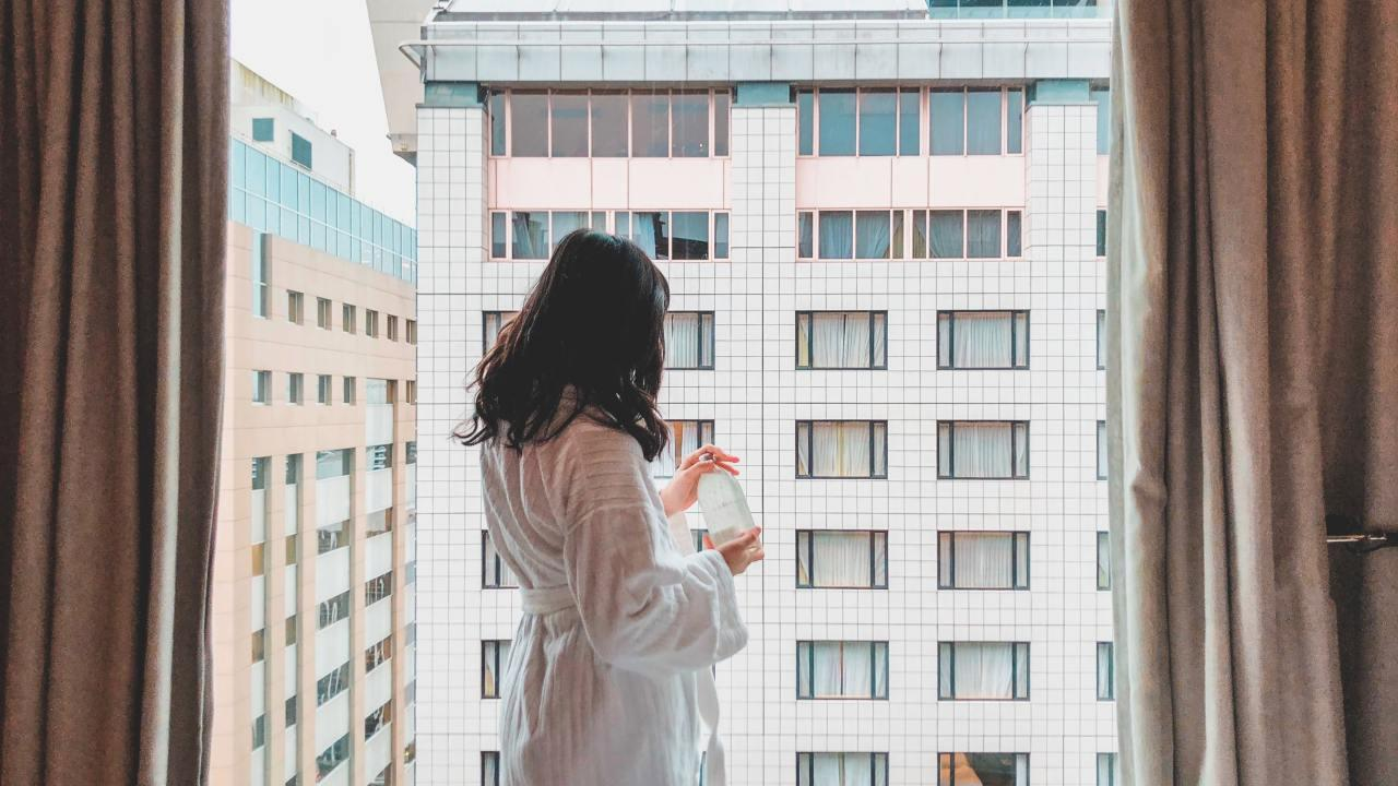 Feel like you're in a hotel room wherever you go. Picture: Celine Lityo / Unsplash