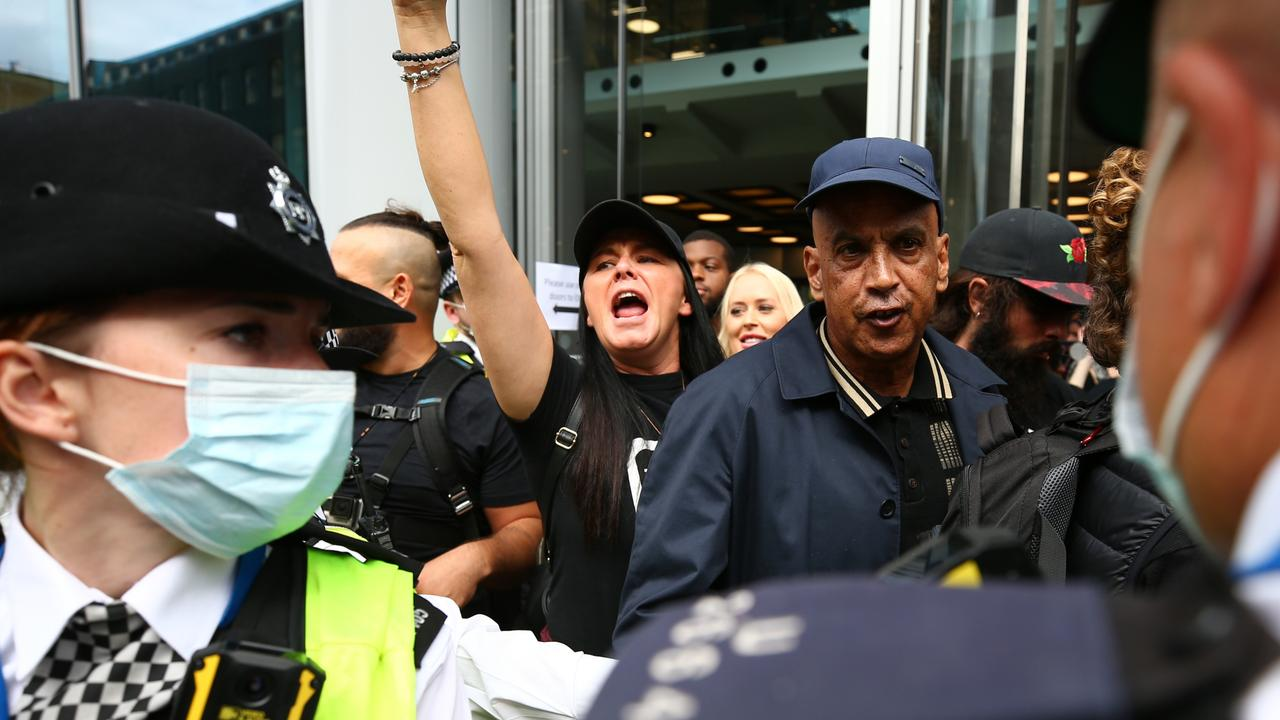 *** BESTPIX *** Anti-Vaccine Passport Protesters Occupy ITN Building In Central London