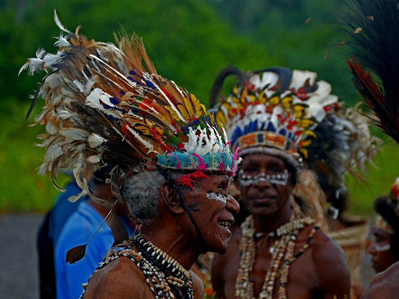PNG hidden paradise with world class reefs and activities.