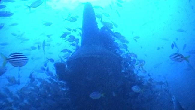21 May 2007 : Japanese Midget M24 submarine, one of three which attacked Sydney Harbour in 1942, found off Sydney's Northern Beches : con tower : PicAustralian/Navy - submarines mini sub sunk wrecks marine underwater wwii history Japan Australia