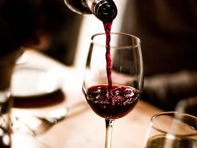Believe it or not, wine could be a cheaper way to earn Qantas points.