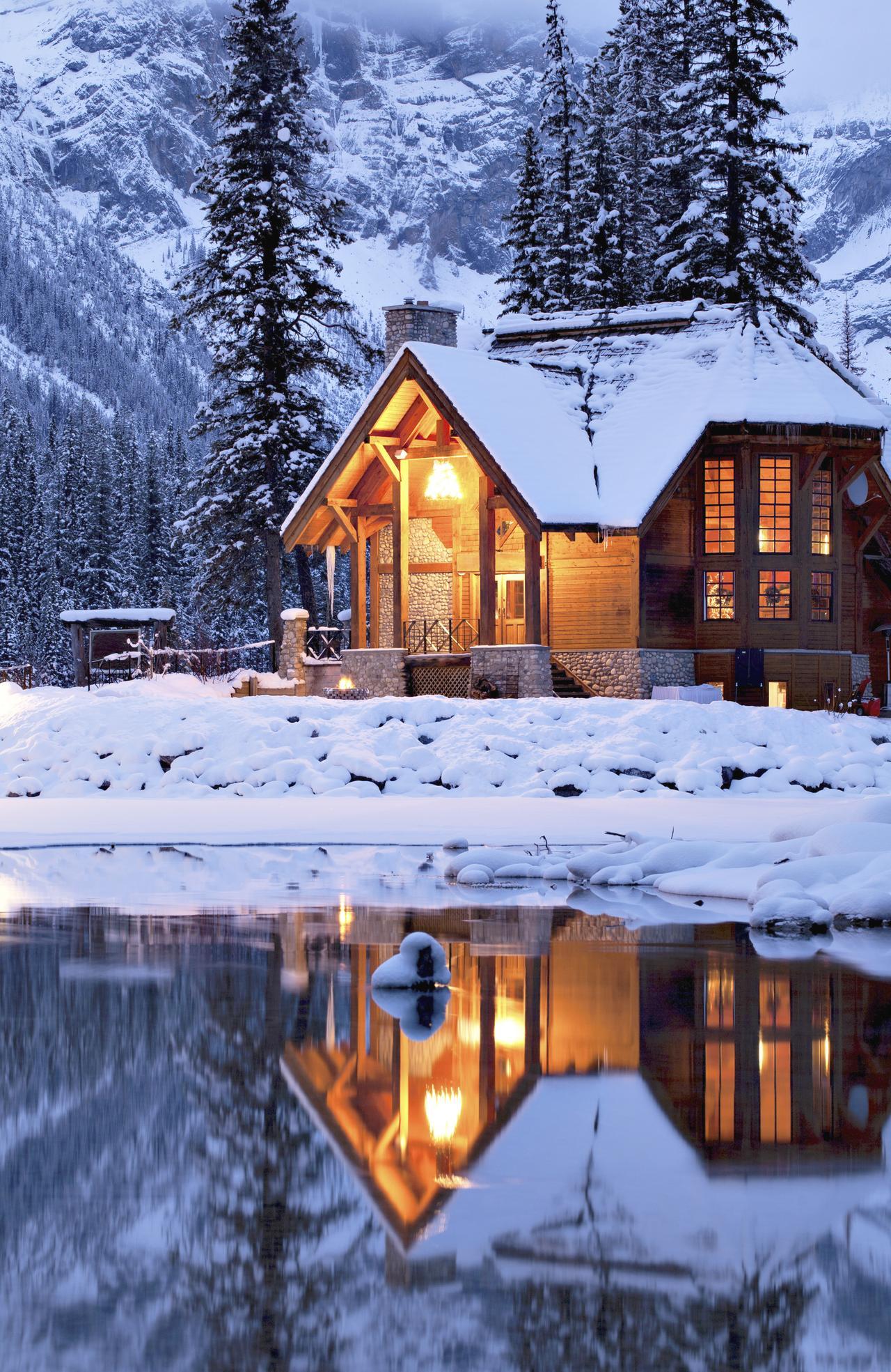 ESCAPE: CANADA - cover option .. Picture: iStock