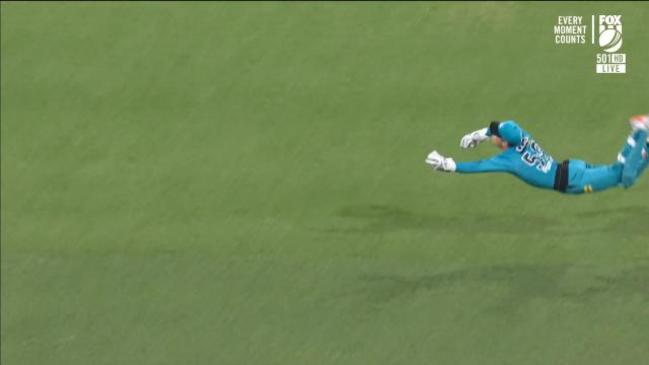 """That is a Superman dive!"" - Heat skipper takes a screamer"