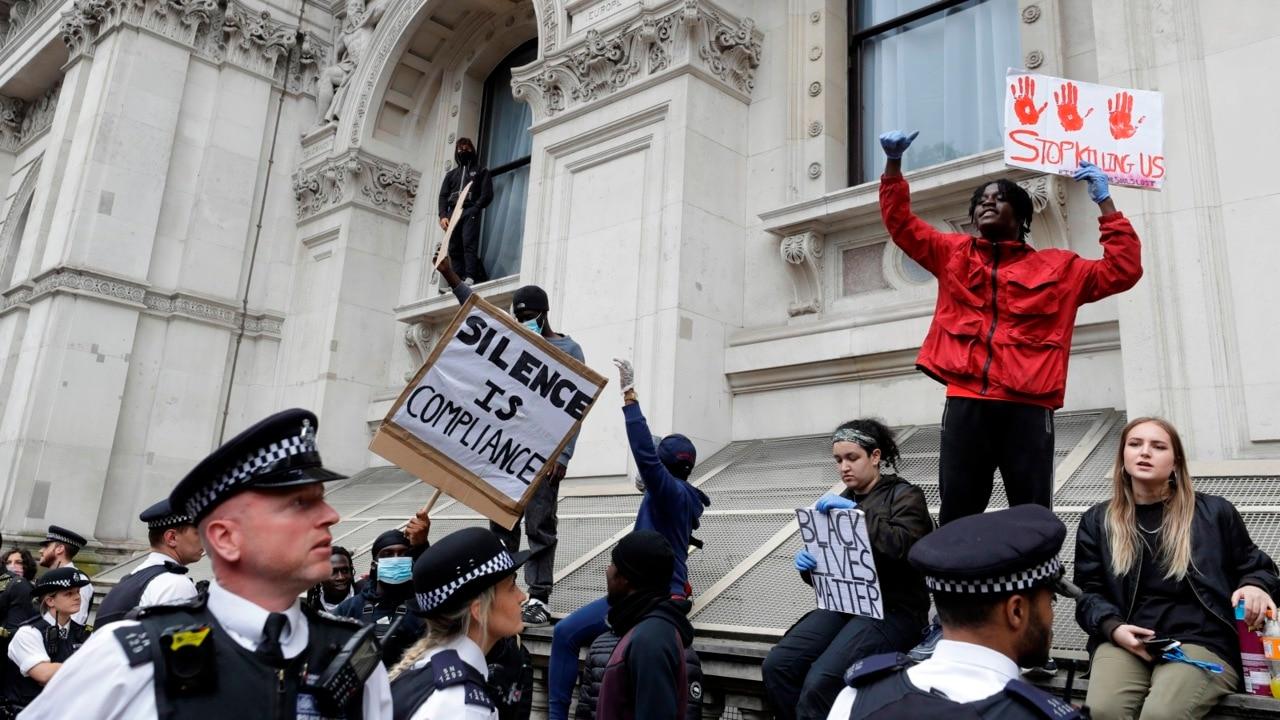 Health secretary urges British to avoid protests