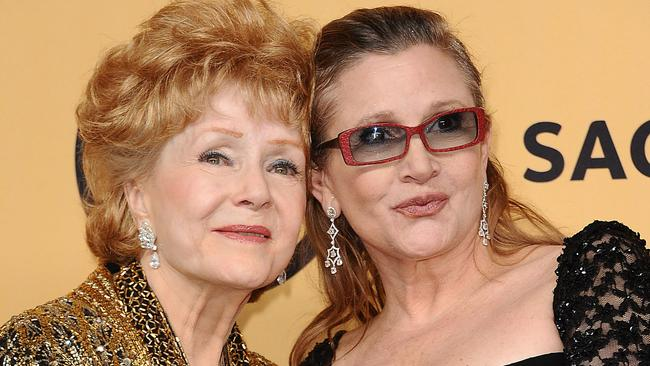 Debbie Reynolds and Carrie Fisher at the 21st annual Screen Actors Guild Awards in 2015.