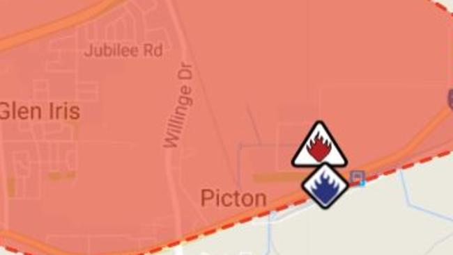 Authorities have sent warnings to residents after a blaze in Picton, in Western Australia.
