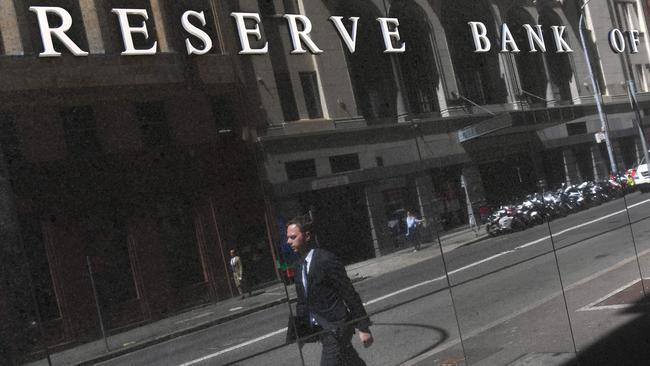 Non-major lender Auswide Bank announces Australian-first rate tracker home loan.