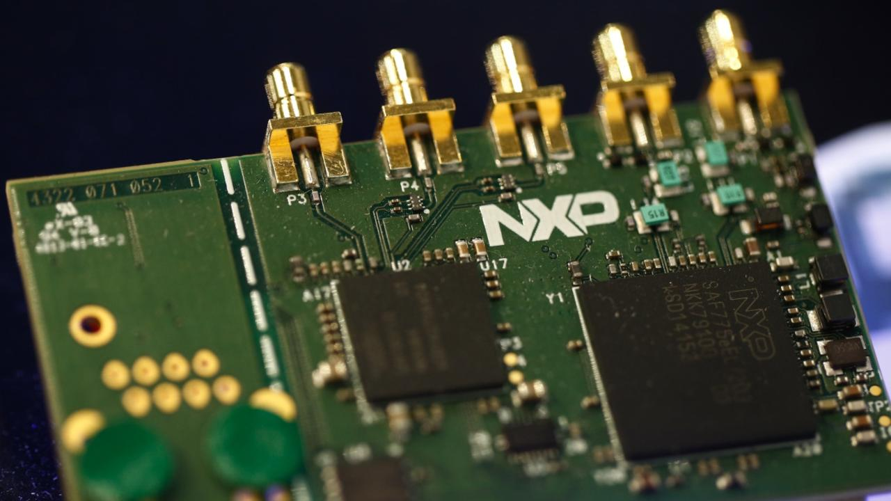 China is lacking in domestic production of semiconductors and other advanced technology parts. PHOTO: BLOOMBERG NEWS