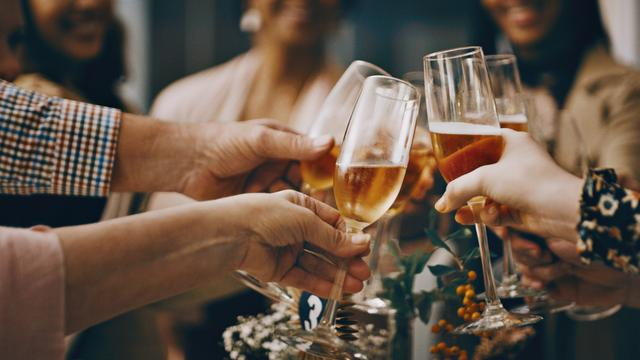 Wedding etiquette: Woman took plus one who was not invited