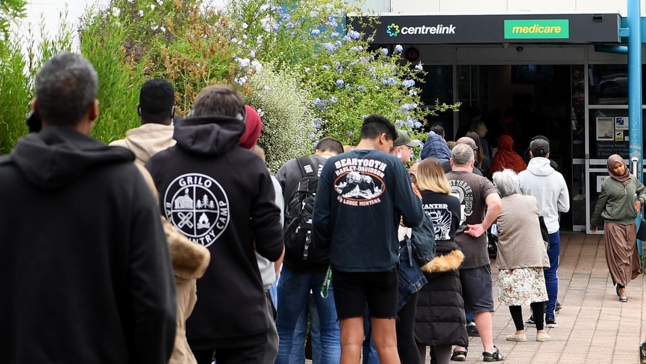 Thousands forced to queue outside Centrelink amid coronavirus crisis