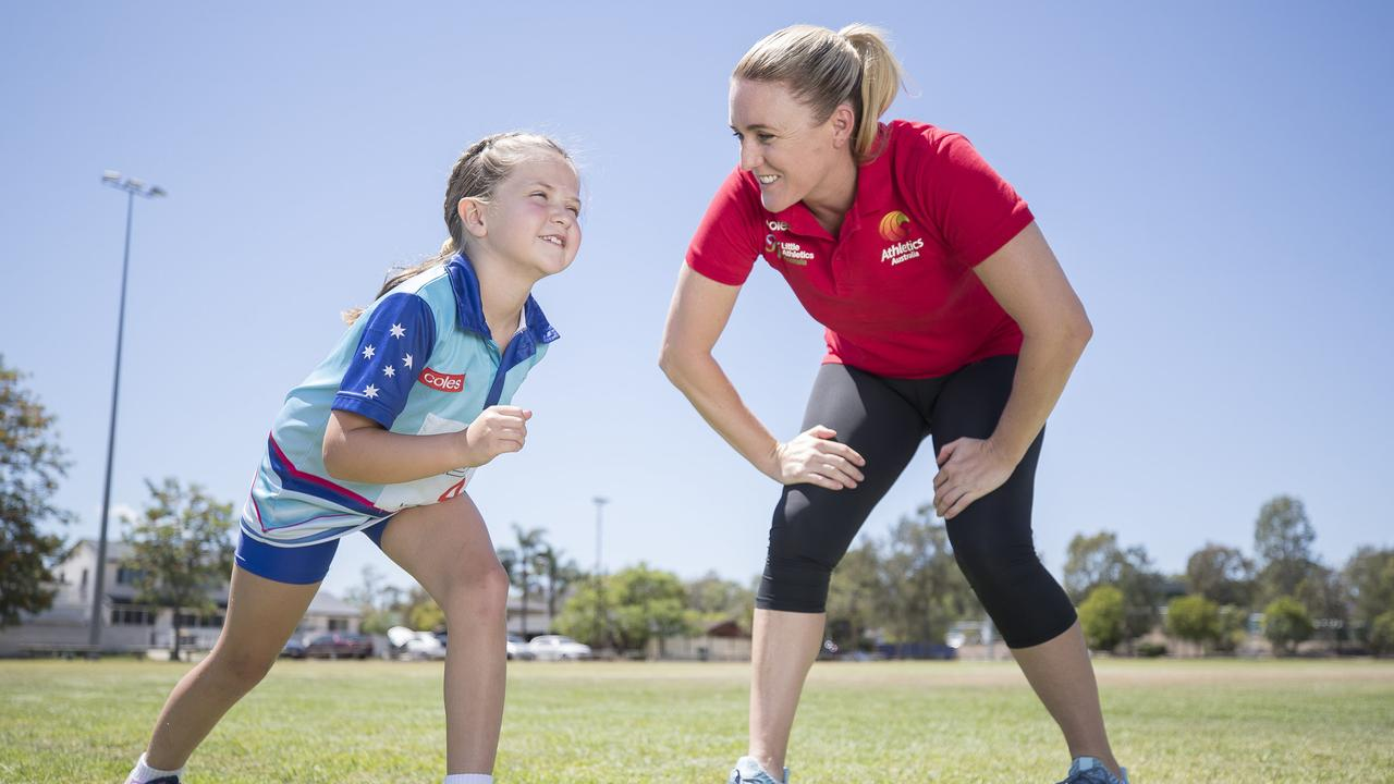 Pearson gives Meleah Hackett some sprint pointers. Picture: Peter Wallis