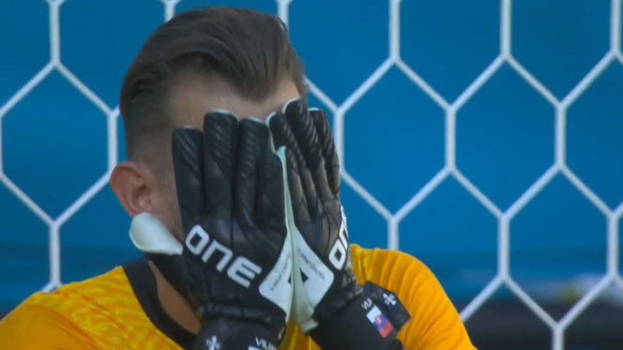Euro 2020: Martin Dubravka own goal reaction video Spain vs Slovakia group stages results highlights – Fox Sports