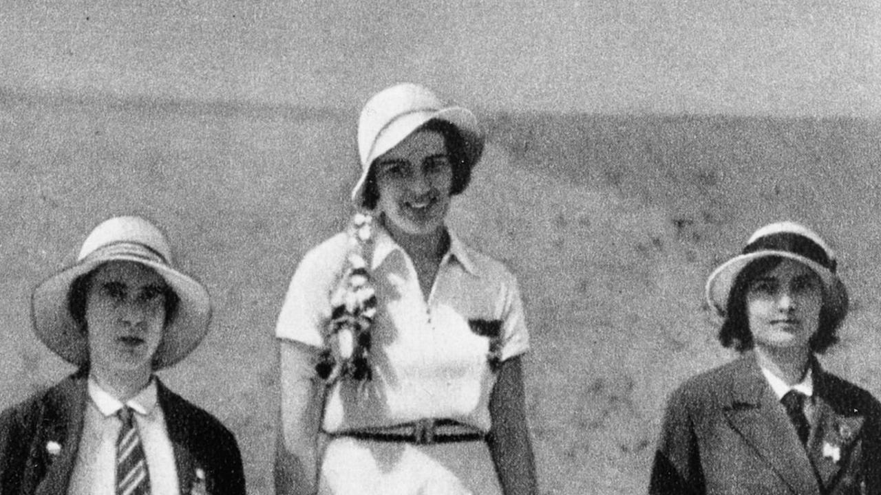 Women's Foil medalists, l-r; silver medalist Heather 'Judy' Guinness for Great Britain, gold medalist Ellen Preis for Austria and bronze medalist Erna Bogen Bogati for Hungary. Los Angeles Olympic Games 1932