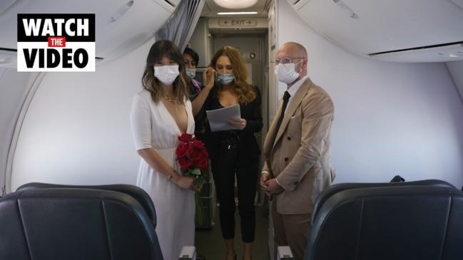 Couple marries on Virgin Australia flight
