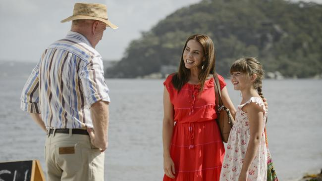 HomeTime: Kate Ritchie returns to Home and Away and we've got a