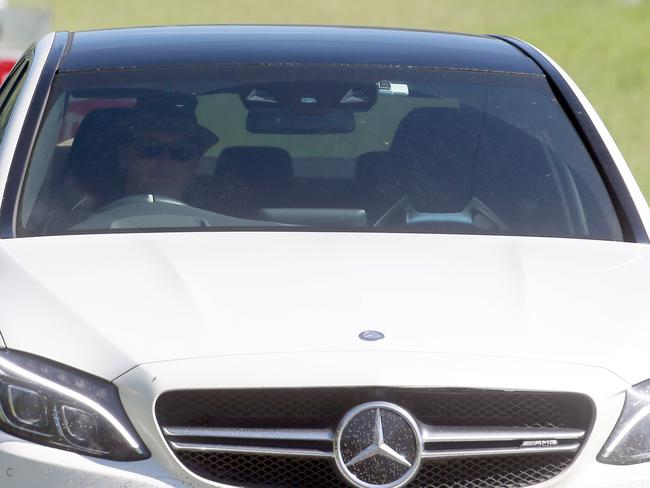 Karl Stefanovic heading to his brother's wedding. Photo: Diimex.