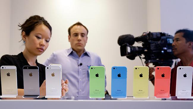 First look at the iPhone 5S and 5C