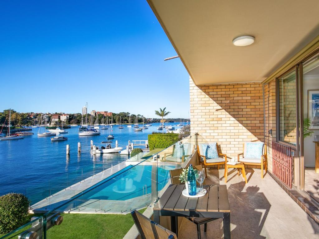 This Kirribilli unit sold $740,000 above reserve.