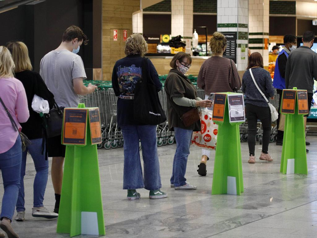 Despite supermarkets being open during the lockdown, people flocked to supermarkets on Saturday. Picture: NCA NewsWire/Tertius Pickard