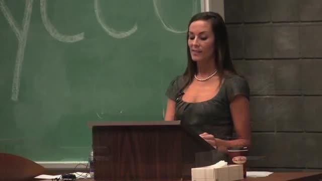 Kidnap victim Amanda Lindhout tells of abuse