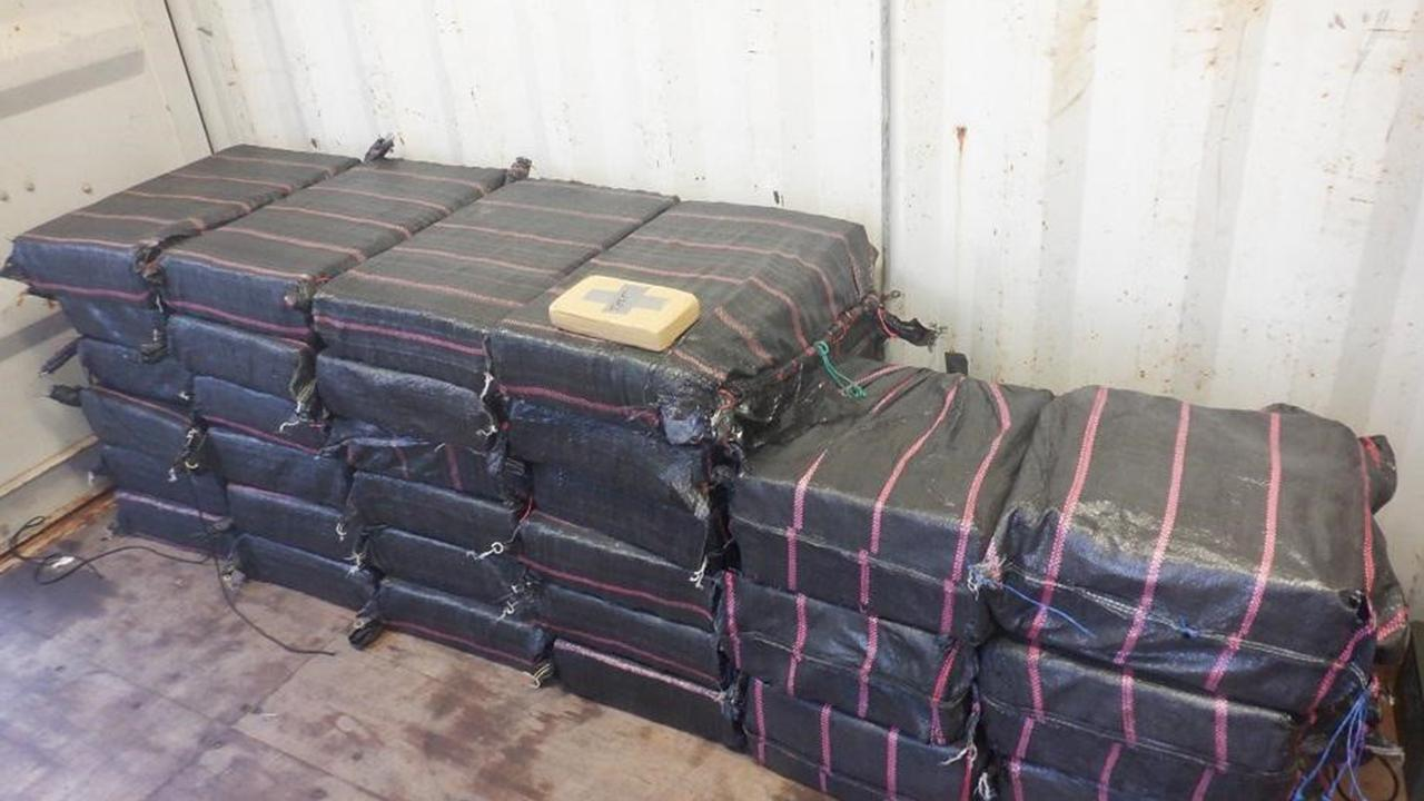 An alleged plot to import a record shipment of more than three tonnes of cocaine has come unstuck.