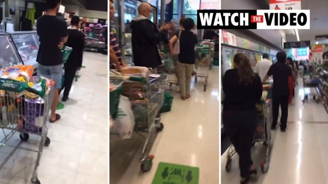 Unbelievable Woolworths queues before three-day lockdown