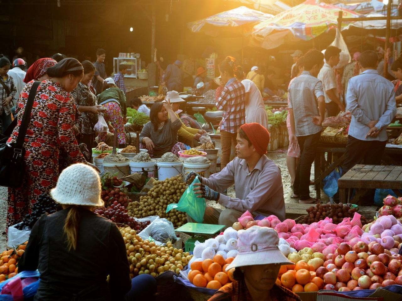 CAMBODIA SIEM REAP MORNING MARKET
